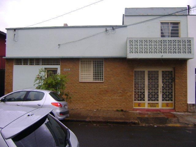 Alugar Casa / Padrão em São Carlos. apenas R$ 300.000,00