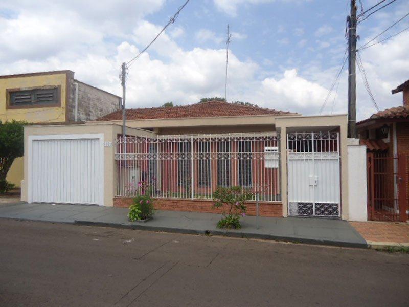 Alugar Casa / Padrão em São Carlos R$ 3.000,00 - Foto 1