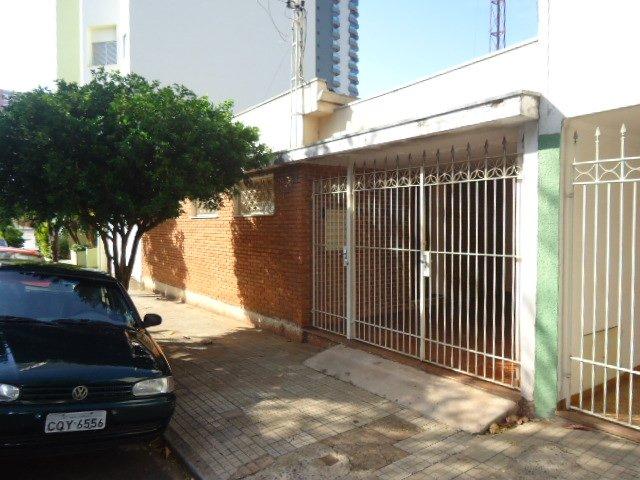 Alugar Casa / Padrão em São Carlos. apenas R$ 585.000,00
