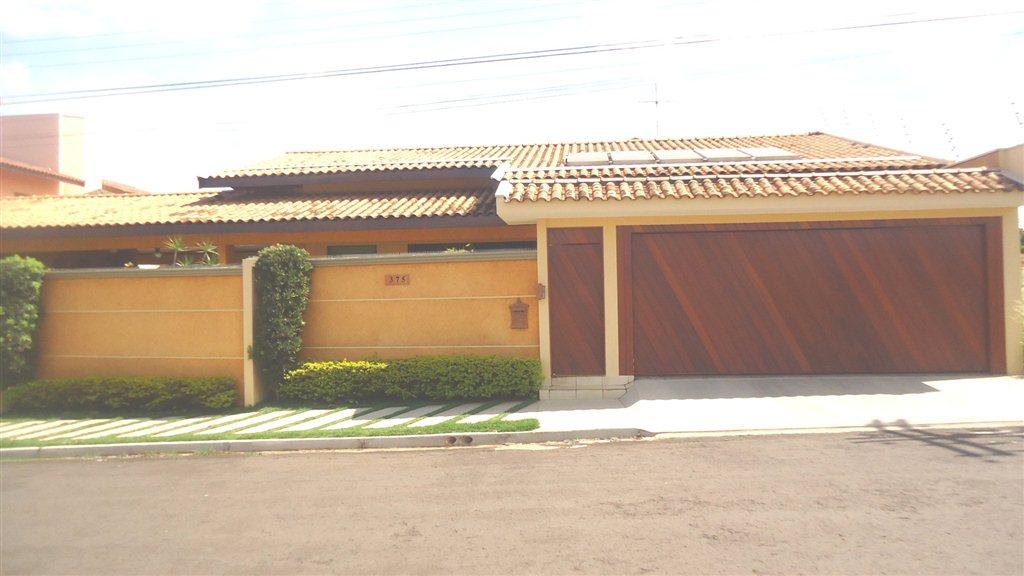 Alugar Casa / Padrão em São Carlos. apenas R$ 1.200.000,00