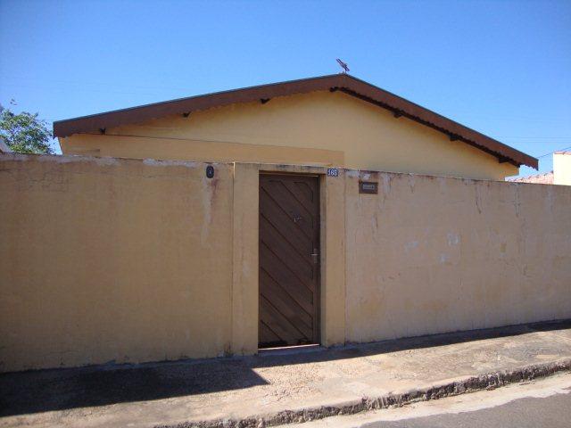 Alugar Casa / Padrão em São Carlos. apenas R$ 318.000,00