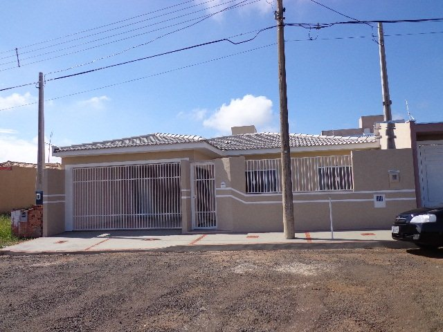 Alugar Casa / Padrão em São Carlos. apenas R$ 430.000,00