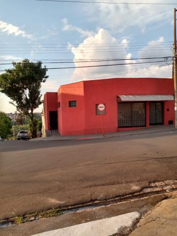 Alugar Casa / Padrão em São Carlos. apenas R$ 1.200,00