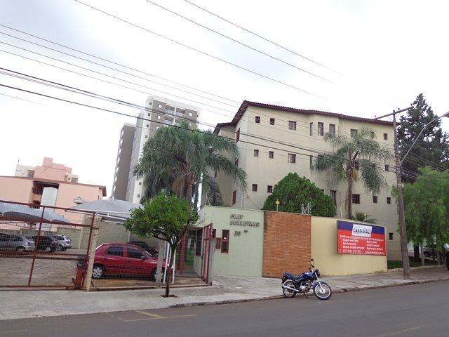 Alugar Apartamento / Padrão em São Carlos. apenas R$ 750,00