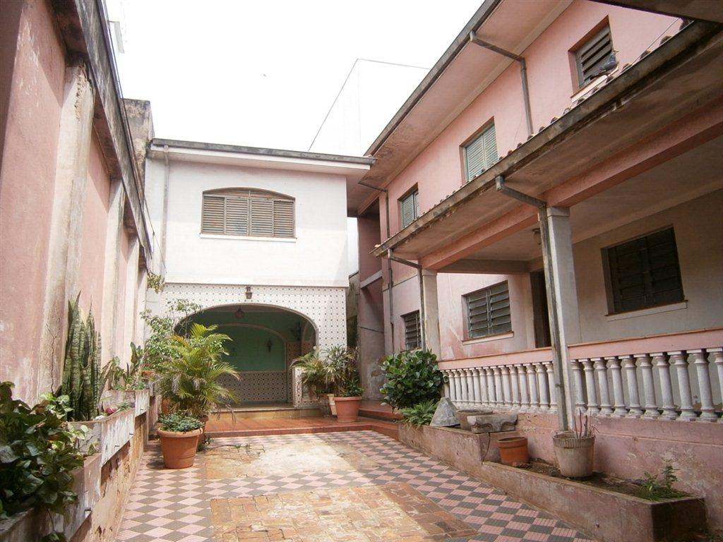 Alugar Casa / Padrão em São Carlos. apenas R$ 2.120.000,00