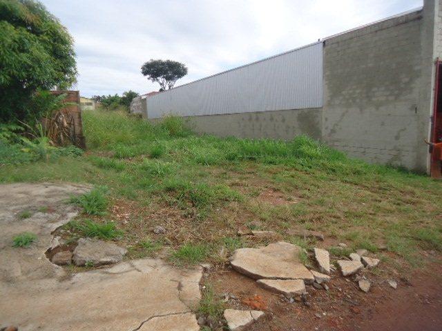 Alugar Terreno / Padrão em São Carlos. apenas R$ 220.000,00