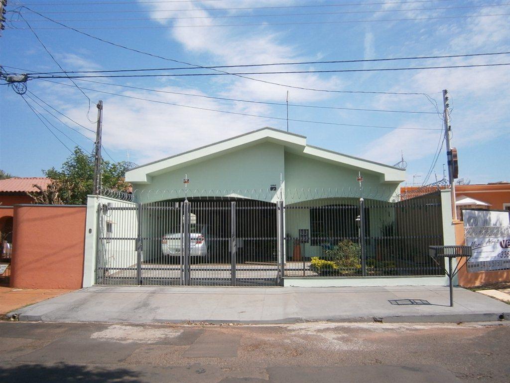 Alugar Casa / Padrão em São Carlos. apenas R$ 636.000,00