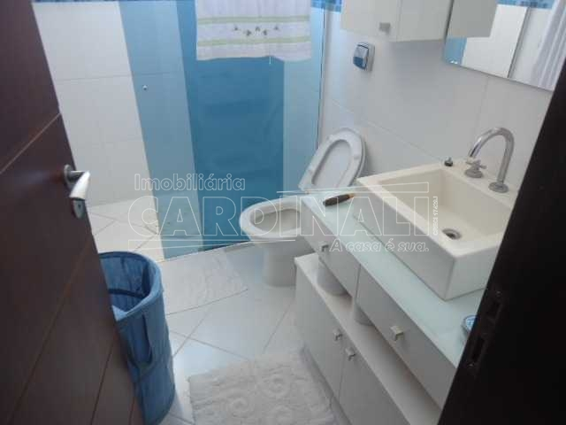 Alugar Casa / Padrão em São Carlos. apenas R$ 1.000.000,00