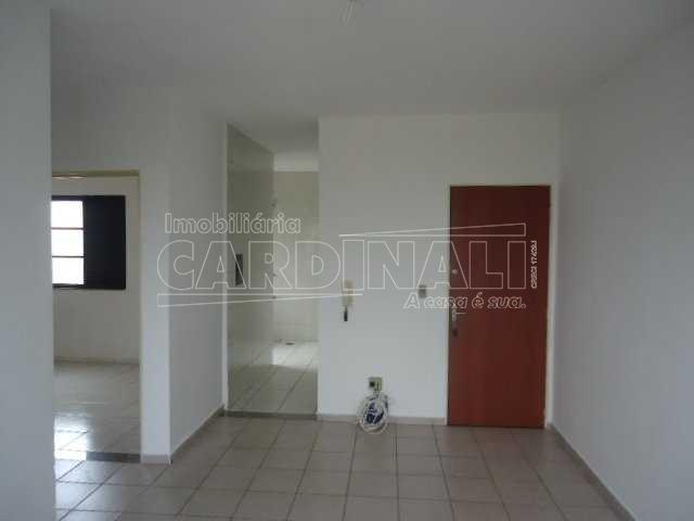 Alugar Apartamento / Padrão em São Carlos. apenas R$ 612,00