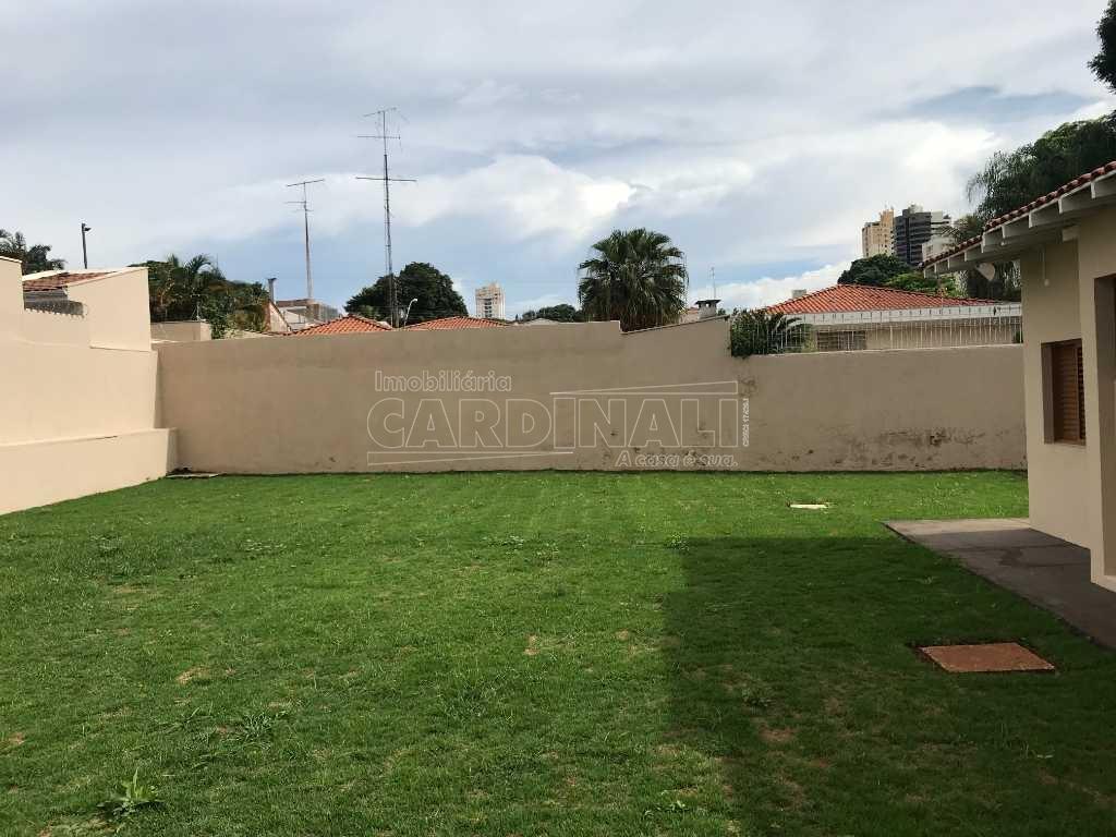 Alugar Casa / Padrão em São Carlos. apenas R$ 1.800.000,00