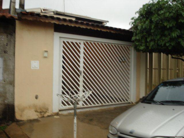 Alugar Casa / Padrão em São Carlos. apenas R$ 245.000,00
