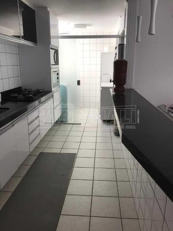 Alugar Apartamento / Padrão em São Carlos. apenas R$ 1.334,00