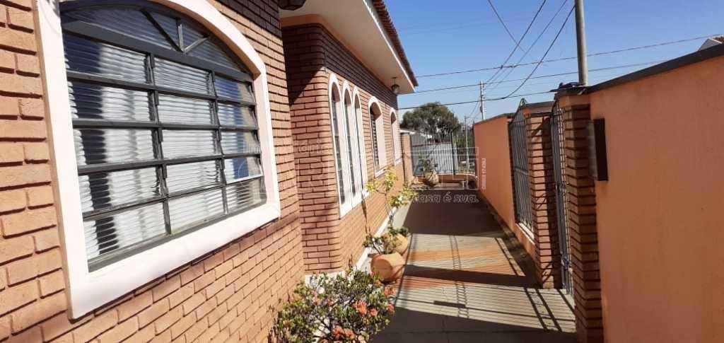 Alugar Casa / Padrão em Araraquara. apenas R$ 430.000,00