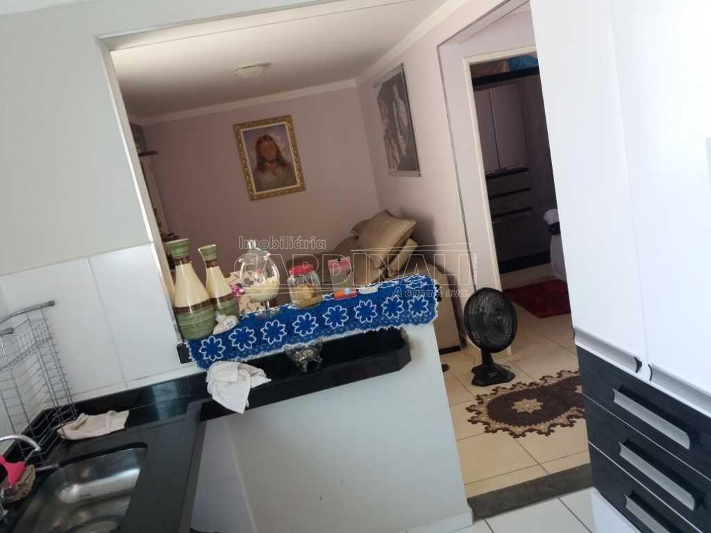 Alugar Apartamento / Padrão em São Carlos. apenas R$ 175.000,00