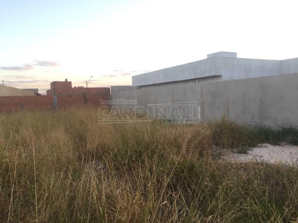 Terreno / Padrão em São Carlos , Comprar por R$130.000,00