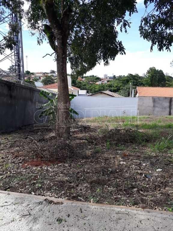 Alugar Terreno / Padrão em São Carlos. apenas R$ 165.000,00