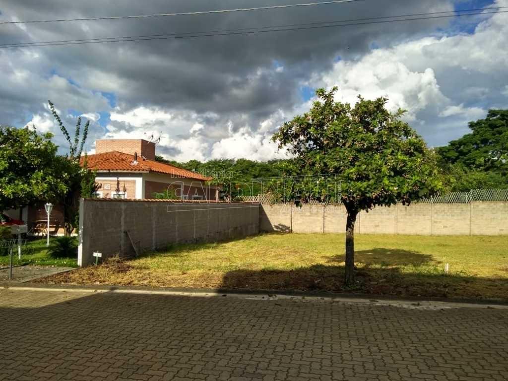 Alugar Terreno / Padrão em São Carlos. apenas R$ 191.500,00