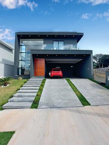 Alugar Casa / Sobrado em São Carlos. apenas R$ 1.220.000,00