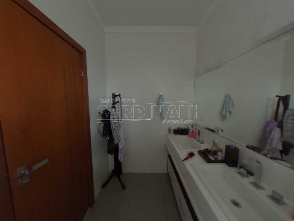 Alugar Casa / Condomínio em São Carlos R$ 5.556,00 - Foto 2