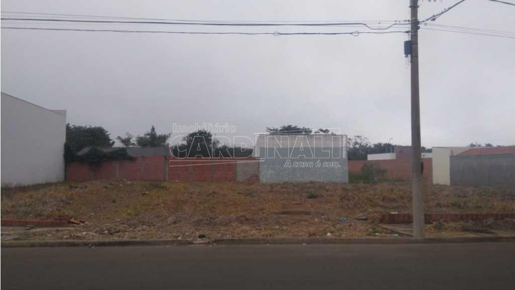 Terreno / Padrão em São Carlos , Comprar por R$150.000,00