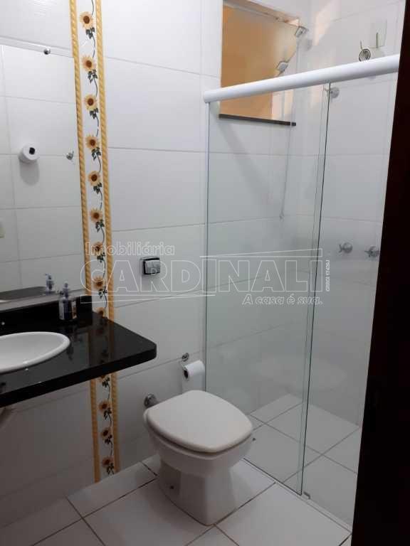 Alugar Casa / Padrão em São Carlos. apenas R$ 375.000,00