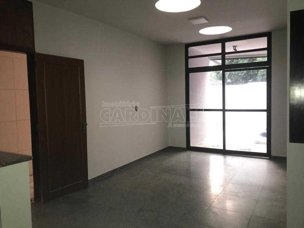 Alugar Casa / Padrão em Ibaté. apenas R$ 8.889,00