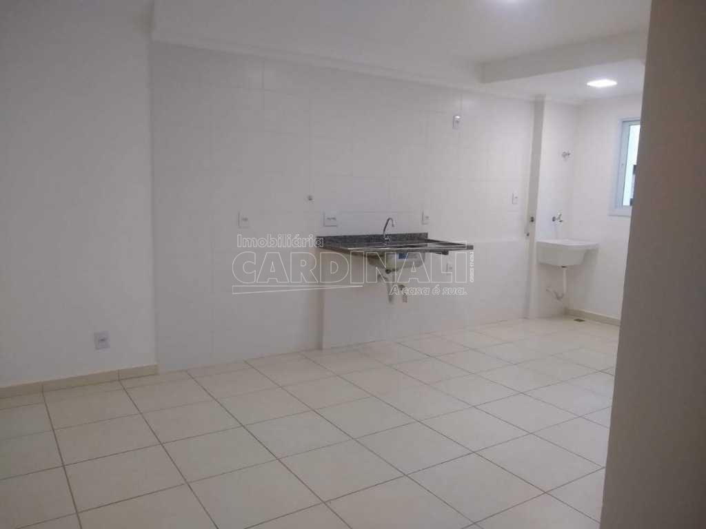 Alugar Apartamento / Padrão em Araraquara. apenas R$ 290.000,00
