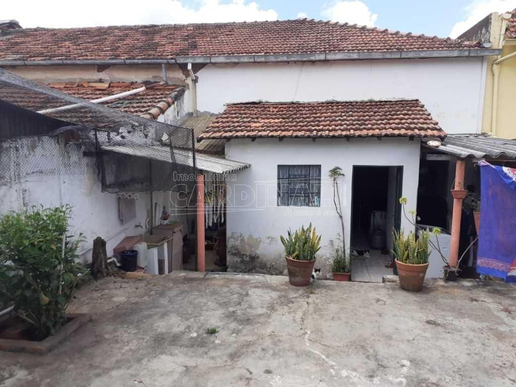 Casa / Padrão em São Carlos , Comprar por R$213.000,00