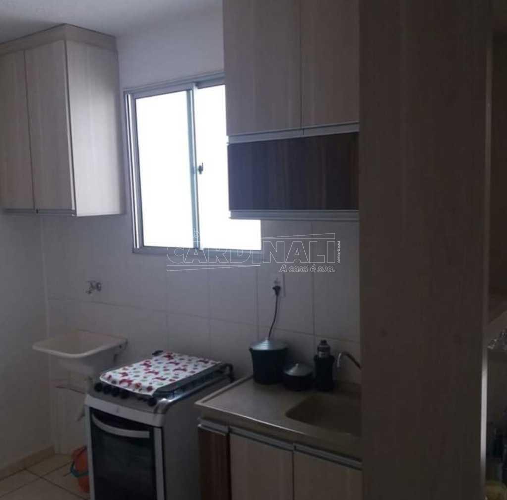 Apartamento / Padrão em Araraquara , Comprar por R$154.256,00