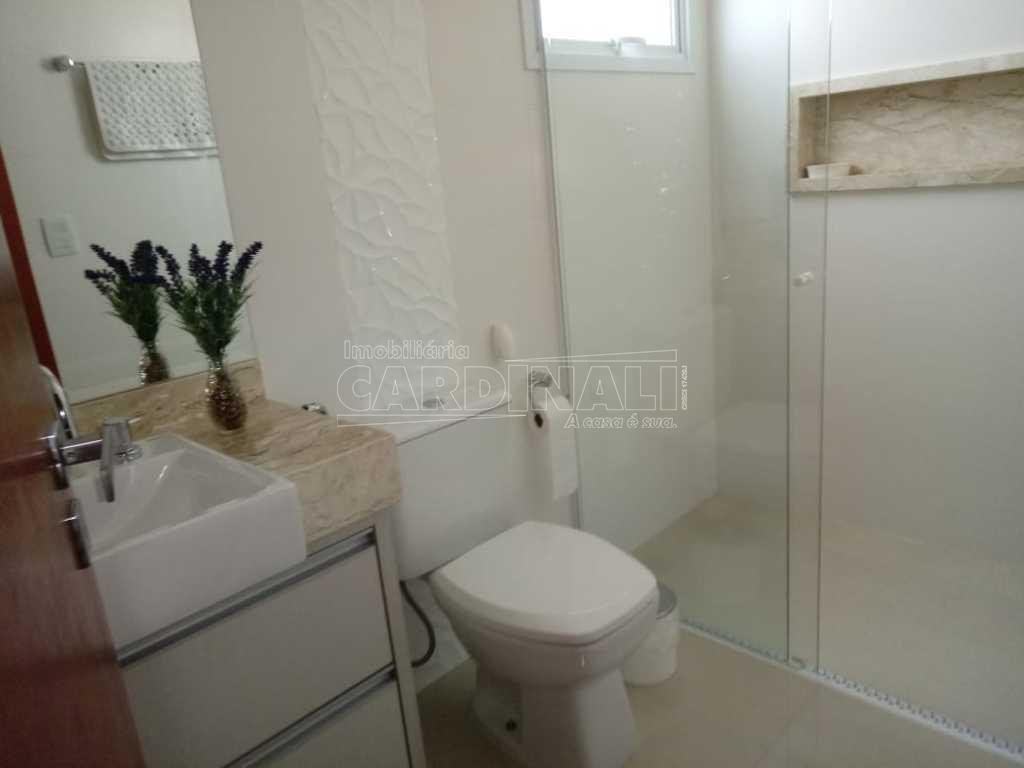 Araraquara Res. Portal dos Oitis Casa Venda R$1.700.000,00 Condominio R$650,00 3 Dormitorios 2 Vagas