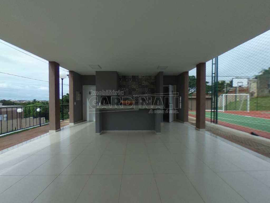 Alugar Apartamento / Padrão em São Carlos. apenas R$ 1.100,00
