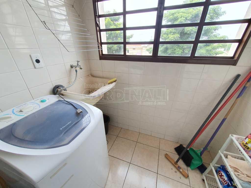 Alugar Apartamento / Padrão em São Carlos R$ 1.300,00 - Foto 4
