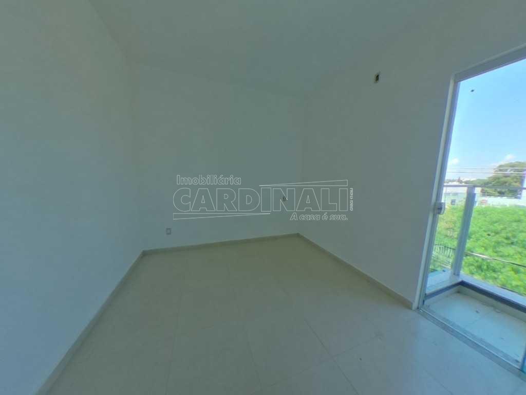 Alugar Apartamento / Padrão em São Carlos. apenas R$ 250.000,00
