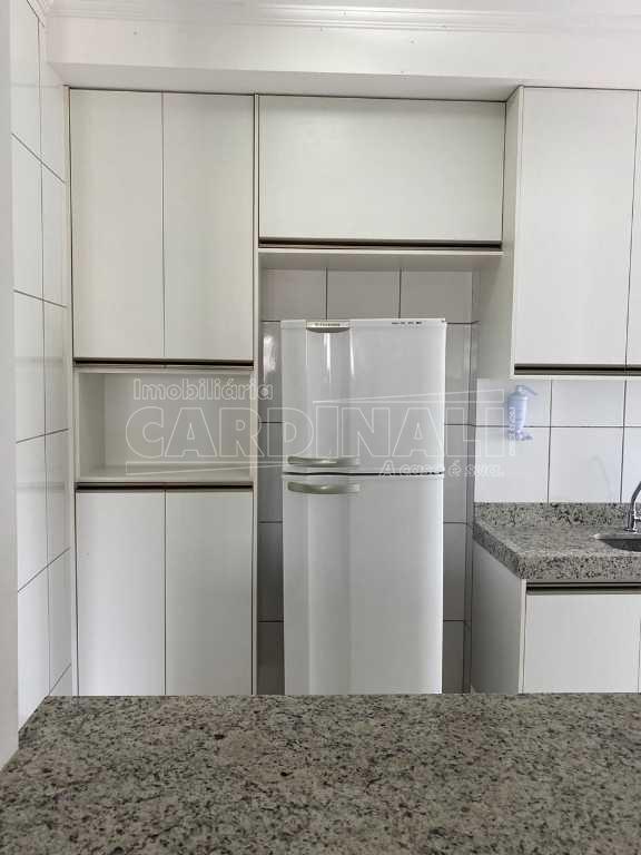 Apartamento / Padrão em São Carlos , Comprar por R$245.000,00