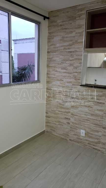 Alugar Apartamento / Padrão em Araraquara. apenas R$ 650,00