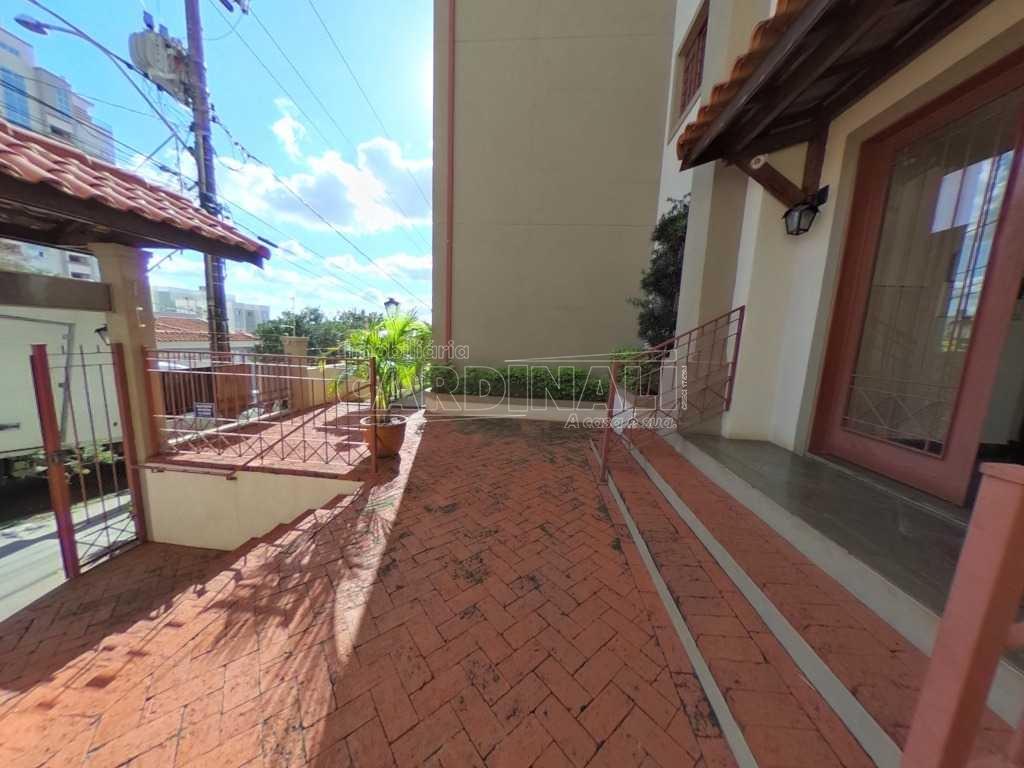 Apartamento / Padrão em São Carlos , Comprar por R$160.000,00