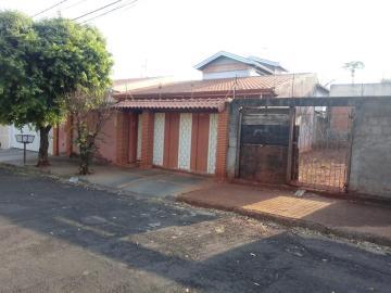 Alugar Casa / Sobrado em Araraquara. apenas R$ 499.000,00