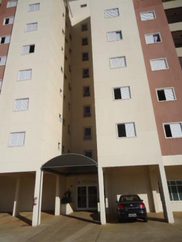 Alugar Apartamento / Padrão em São Carlos. apenas R$ 240.000,00