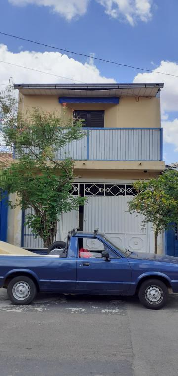 Alugar Casa / Padrão em São Carlos. apenas R$ 1.223,00