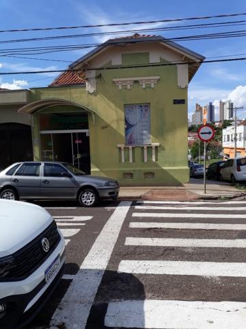 Alugar Casa / Padrão em São Carlos. apenas R$ 2.800,00