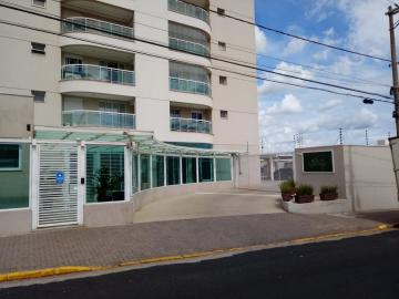 Alugar Apartamento / Padrão em Araraquara. apenas R$ 2.500,00