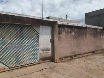 Alugar Casa / Padrão em Ibaté. apenas R$ 350.000,00