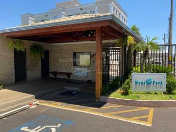 Apartamento / Padrão em São Carlos Alugar por R$750,00