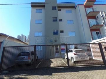 Alugar Apartamento / Padrão em São Carlos. apenas R$ 810,00