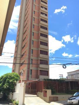 Apartamento / Padrão em São Carlos