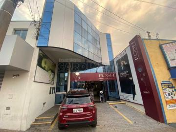 Comercial / Salão sem Condomínio em São Carlos Alugar por R$2.000,00