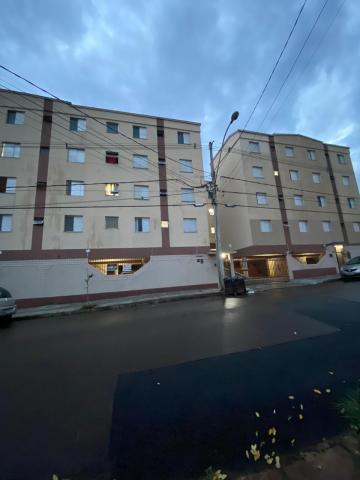 Apartamento / Padrão em São Carlos , Comprar por R$150.000,00