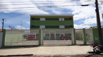 Apartamento / Kitnet em São Carlos Alugar por R$800,00