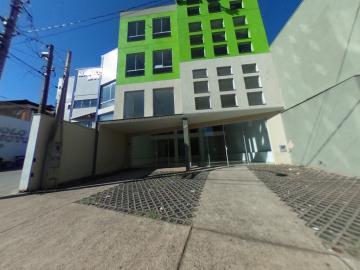 Comercial / Salão sem Condomínio em São Carlos Alugar por R$5.000,00