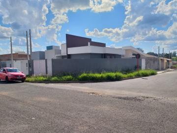 Alugar Casa / Padrão em São Carlos. apenas R$ 1.300,00
